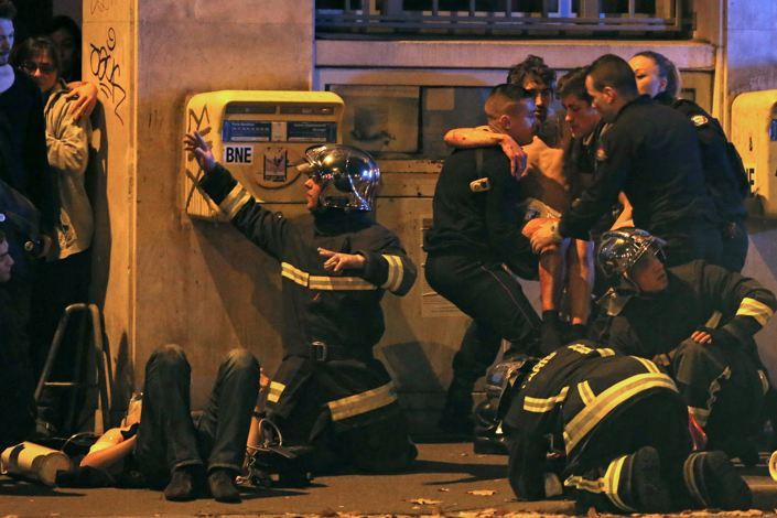 Emergency services rescue hostages