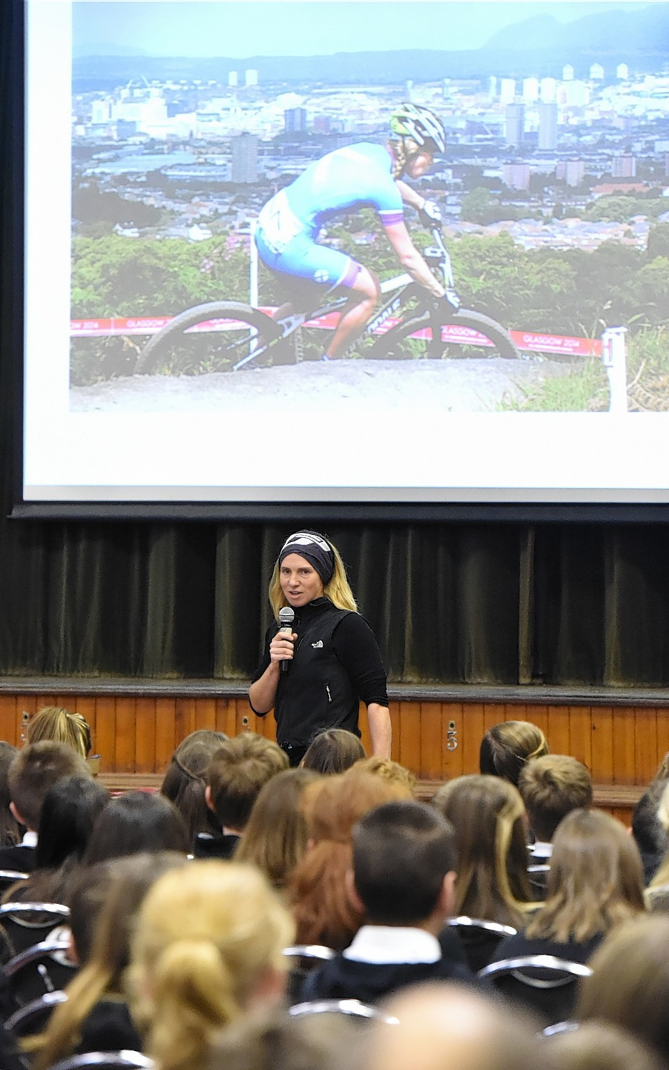 Championship mountain-biker and Commonwealth athlete, Lee Craigie, gives talk in Huntly.