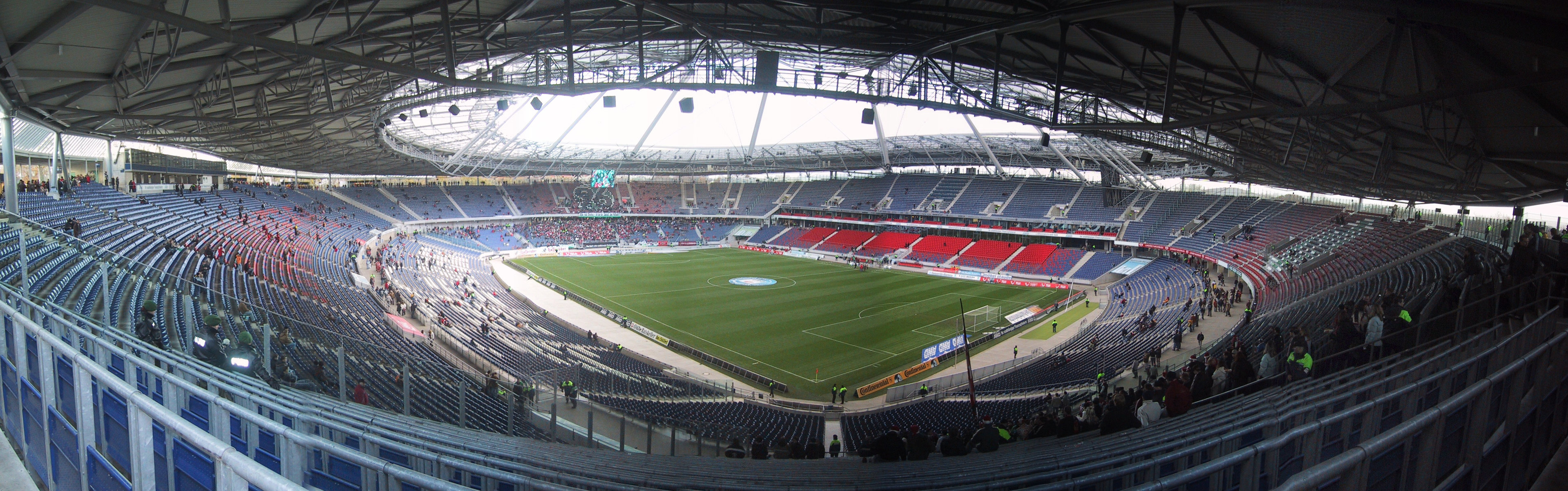 The game was due to be played at the Niedersachsenstadion