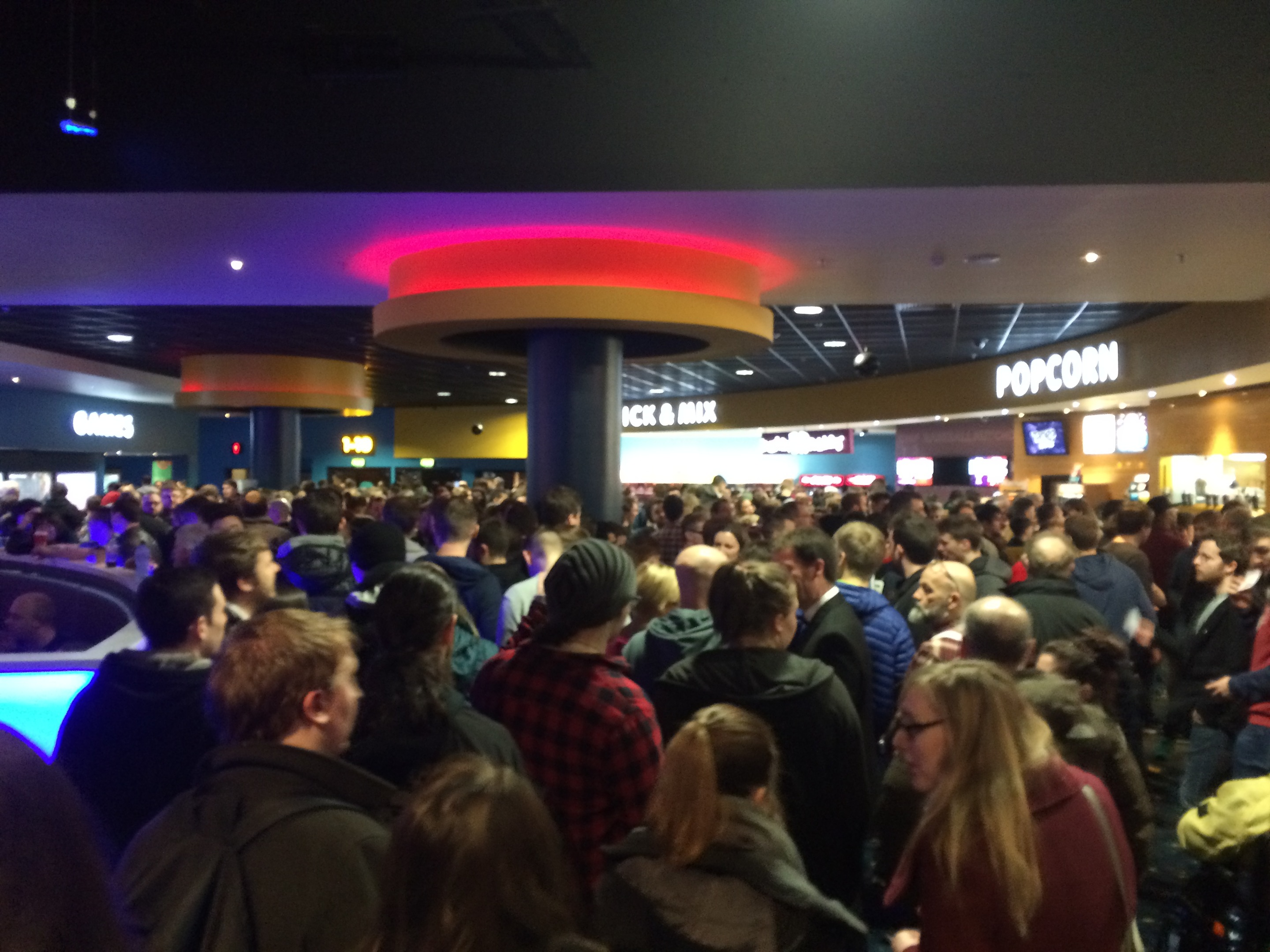 Midnight screenings of Star Wars: The Force Awakens in Aberdeen's Union Square