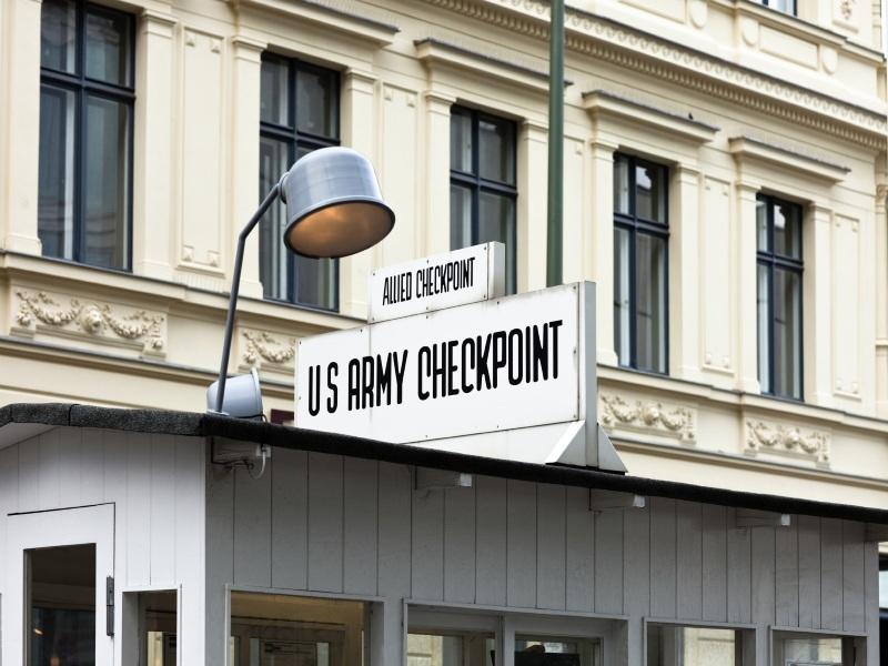 SB- Berlin Checkpoint Charlie