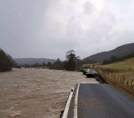 The A93 has disappeared into the River Dee. Photo uploaded to Twitter by Fiona Pringle of the Deeside Piper/Fife Free Press