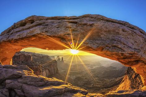 The stunning Mesa Arch landform in Utah's Canyonlands