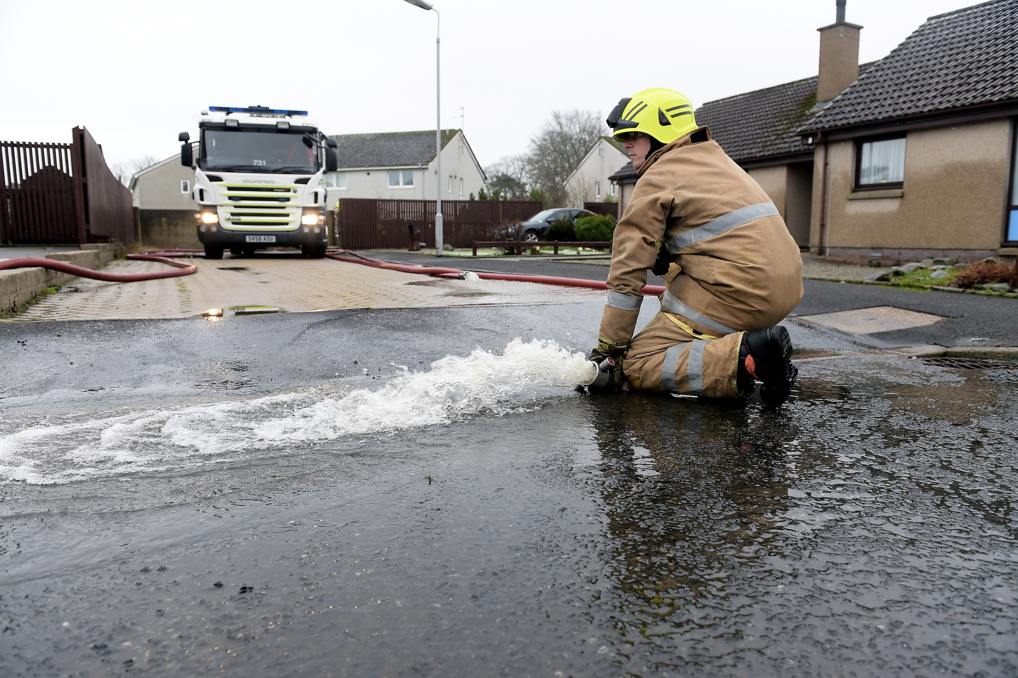 The River Ythan has burst it's banks at Ellon. Scottish Fire and Rescue pump water out of an area with an electric substation at Modley Close, which resulted in no power in the area since the early hours of the morning.
