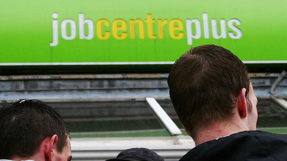 Unemployment  has fallen, bringing the jobless total in Scotland to the lowest level since 2008.