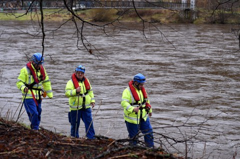Search for missing Aberlour woman. Coastguards search along the River Spey at Aberlour. Picture by Gordon Lennox 27/01/2016