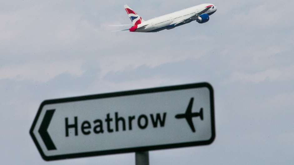 Government told to stop dithering over airport expansion