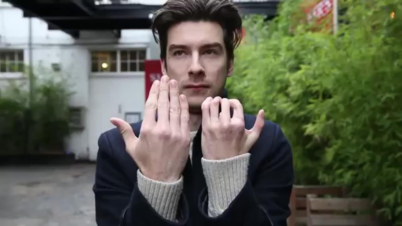 Actor finger
