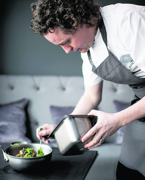 Michelin-star chef Tom Kitchin creates a selection of warming weekend suppers using Scottish chicken, game and meat