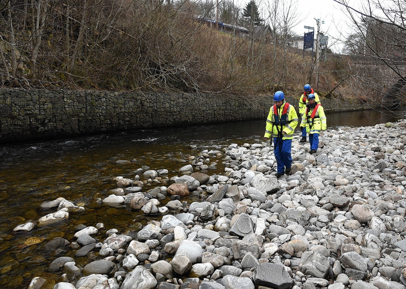 Coastguard from Cromarty and Inverness search the River Enrick in Drumnadrochit