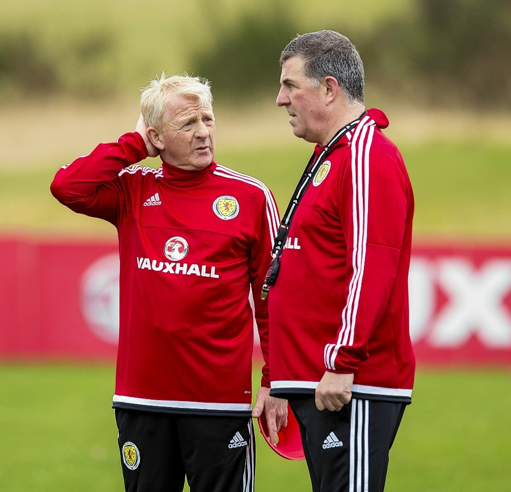 Scotland Manager Gordon Strachan (left) and Mark McGhee at training