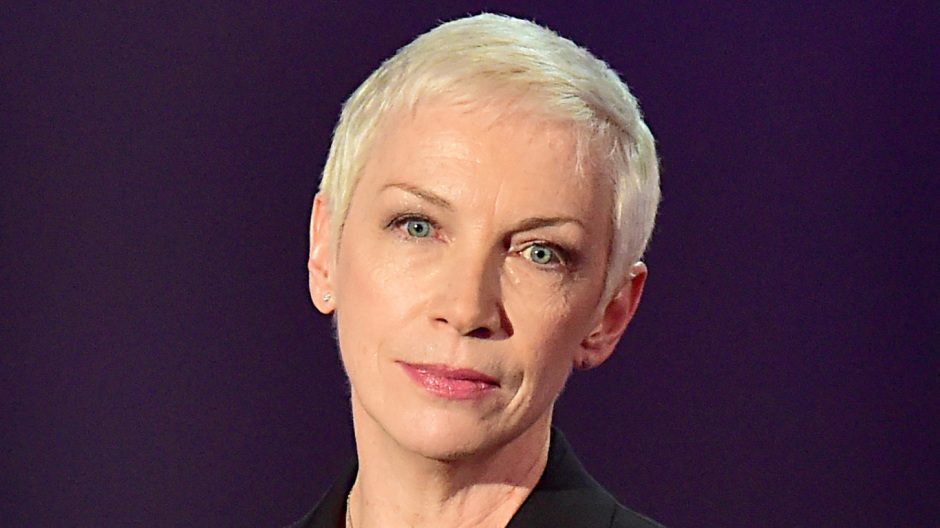 Annie Lennox has recorded a new video for Dee View Court staff.
