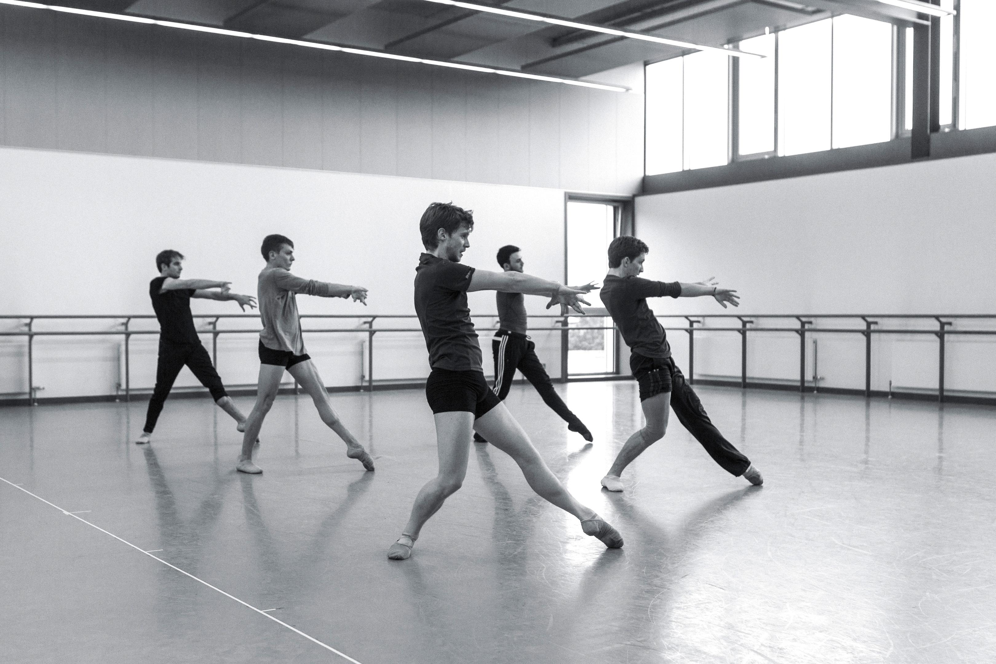 _MG_7194 – Victor Zarallo, Jamiel Laurence, Andrew Peasgood, Nicholas Shoesmith and Rimbaud Patron in rehearsals for David Dawson's Swan