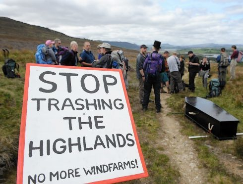 An 18-turbine plan for Fort Augustus has been scrapped.