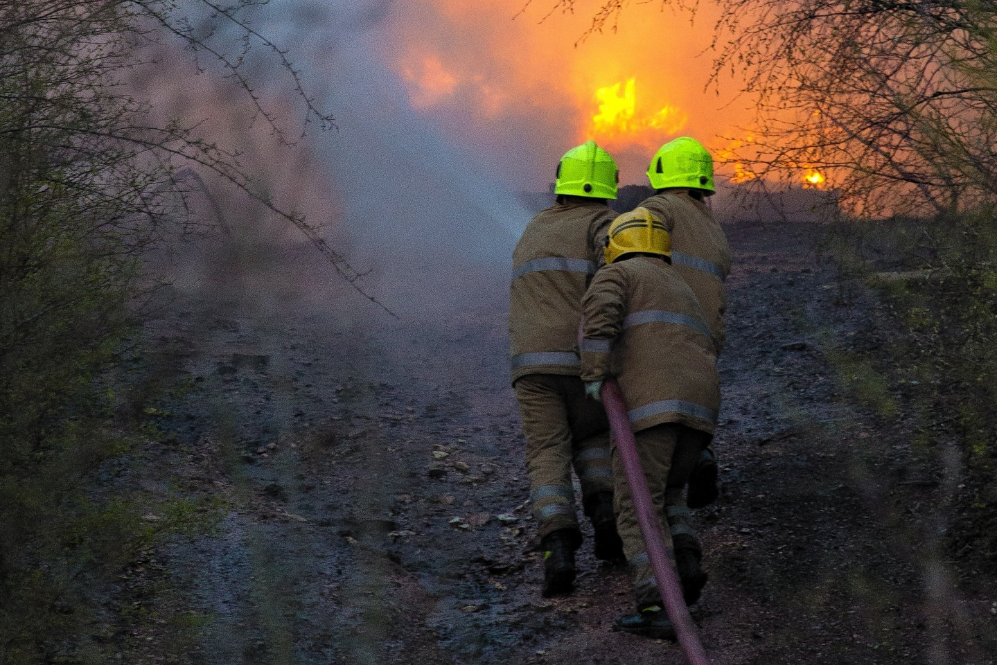 Fire fighters battle fire in fife
