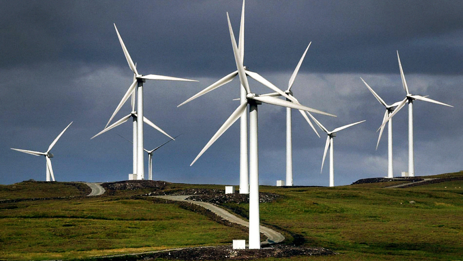 A new report says producing half Scotland's energy needs through renewables is achievable.
