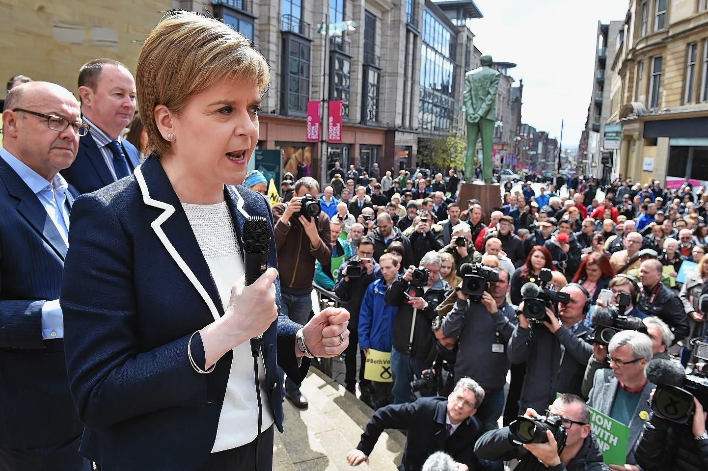 Nicola Sturgeon holds her final party rally on Buchanan Street