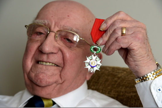 ormer Gordon Highlander John Johnstone of Dyce has been awarded the French medal of honour for services to France during WWII and the D-Day landings.