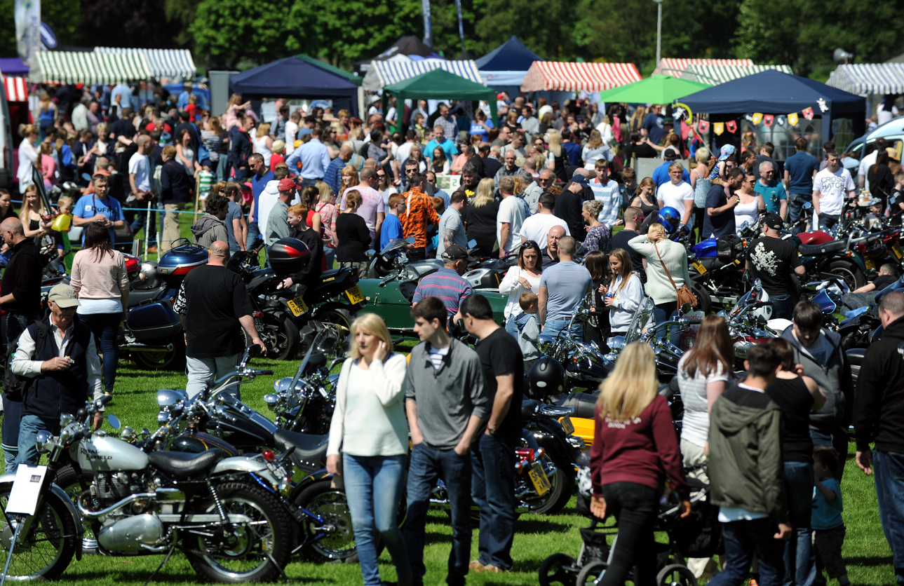 Elgin Rotary Club Motorfun at Cooper Park, Elgin. Large crowds enjoyed the sunshine. Picture by Gordon Lennox 05/06/2016
