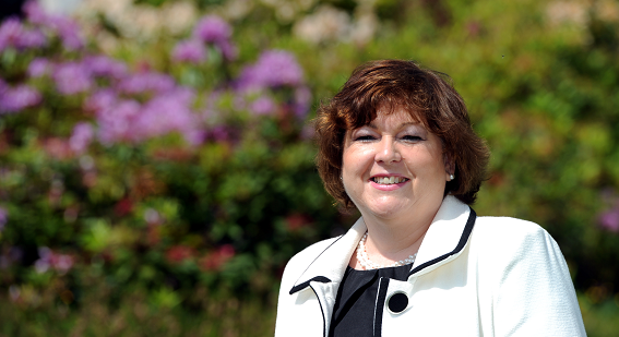 Aberdeenshire Council's director of education, Maria Walker is to retire