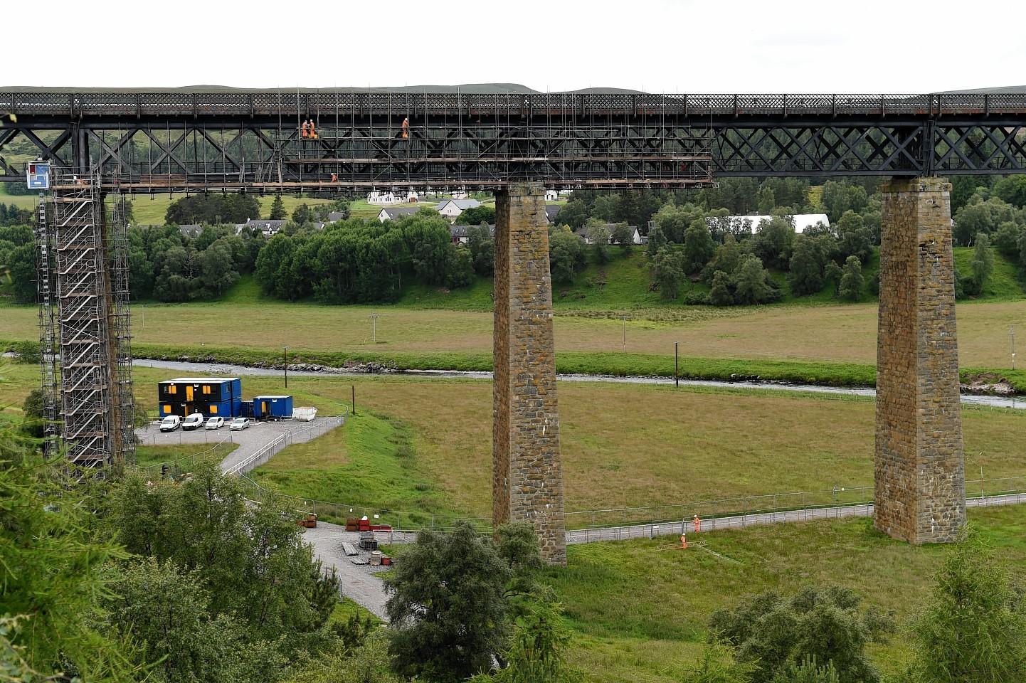 Findhorn Railway Viaduct scaffolding