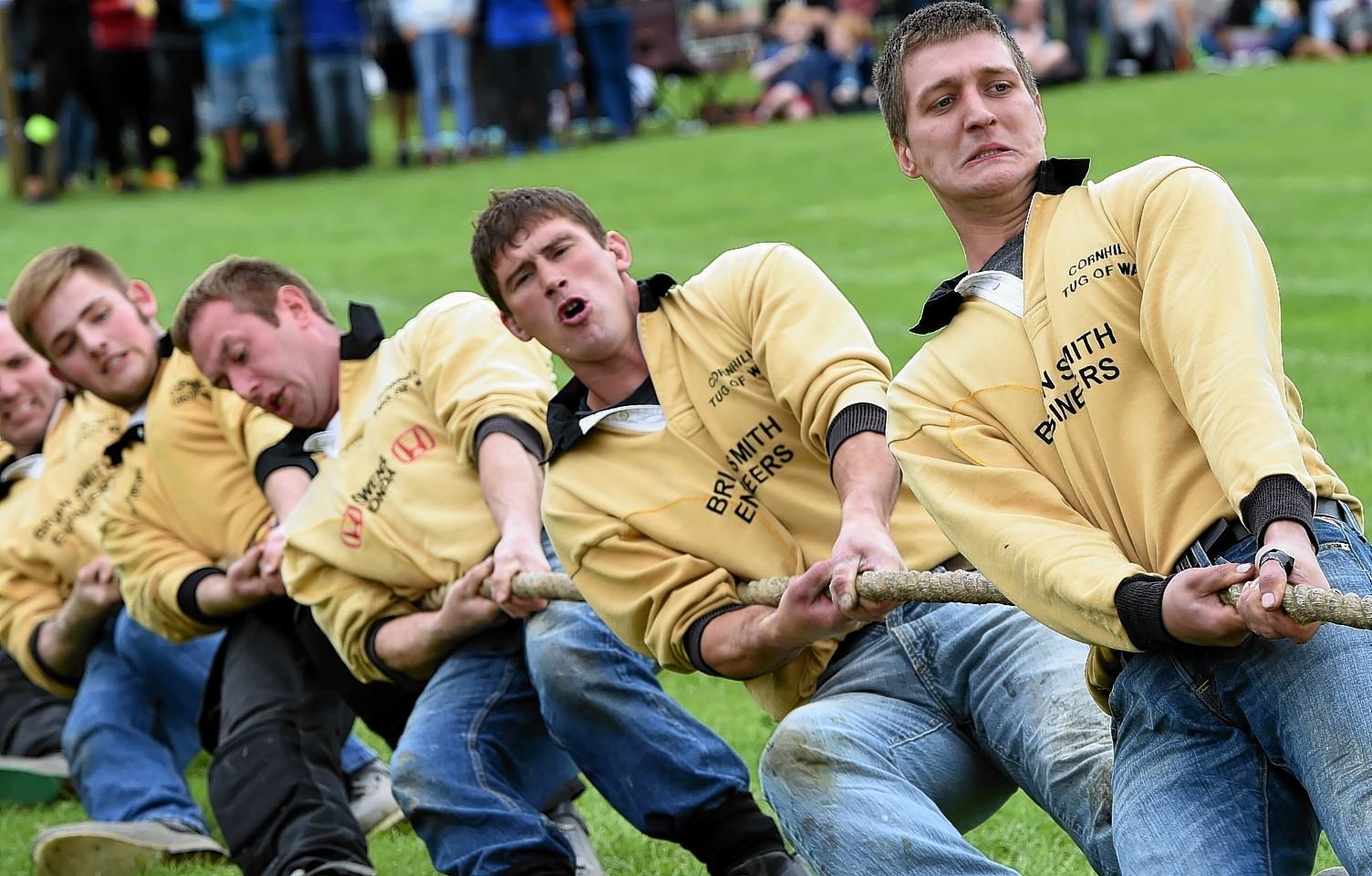 Tug o' war at Aboyne Highland Games. Credit: Kenny Elrick.