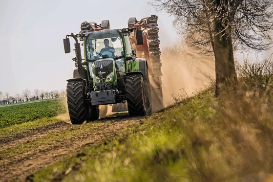 The new Fendt Vario 500 in action
