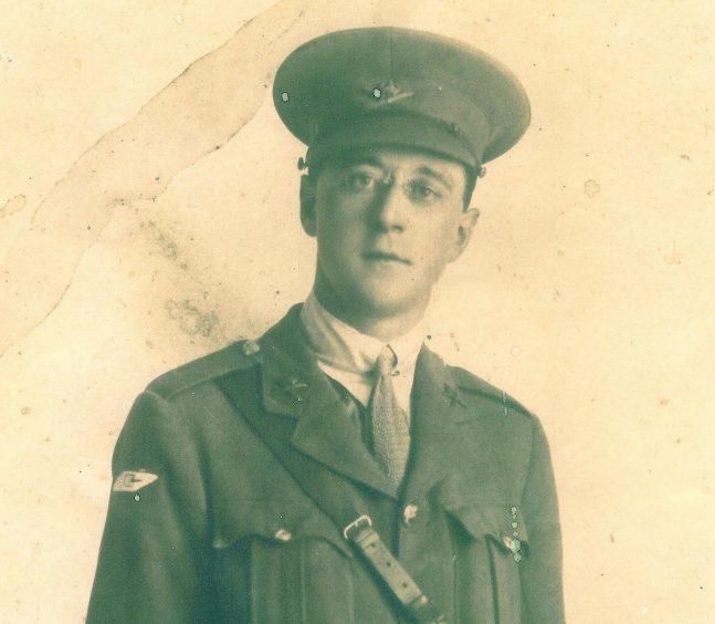 2nd Lt Frank Heap, MC - Deborah's captain.