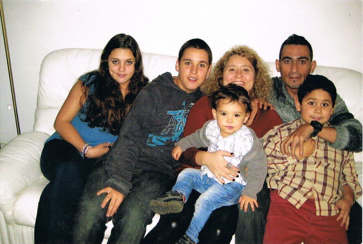 Nuno Barbara (top right) and his family.