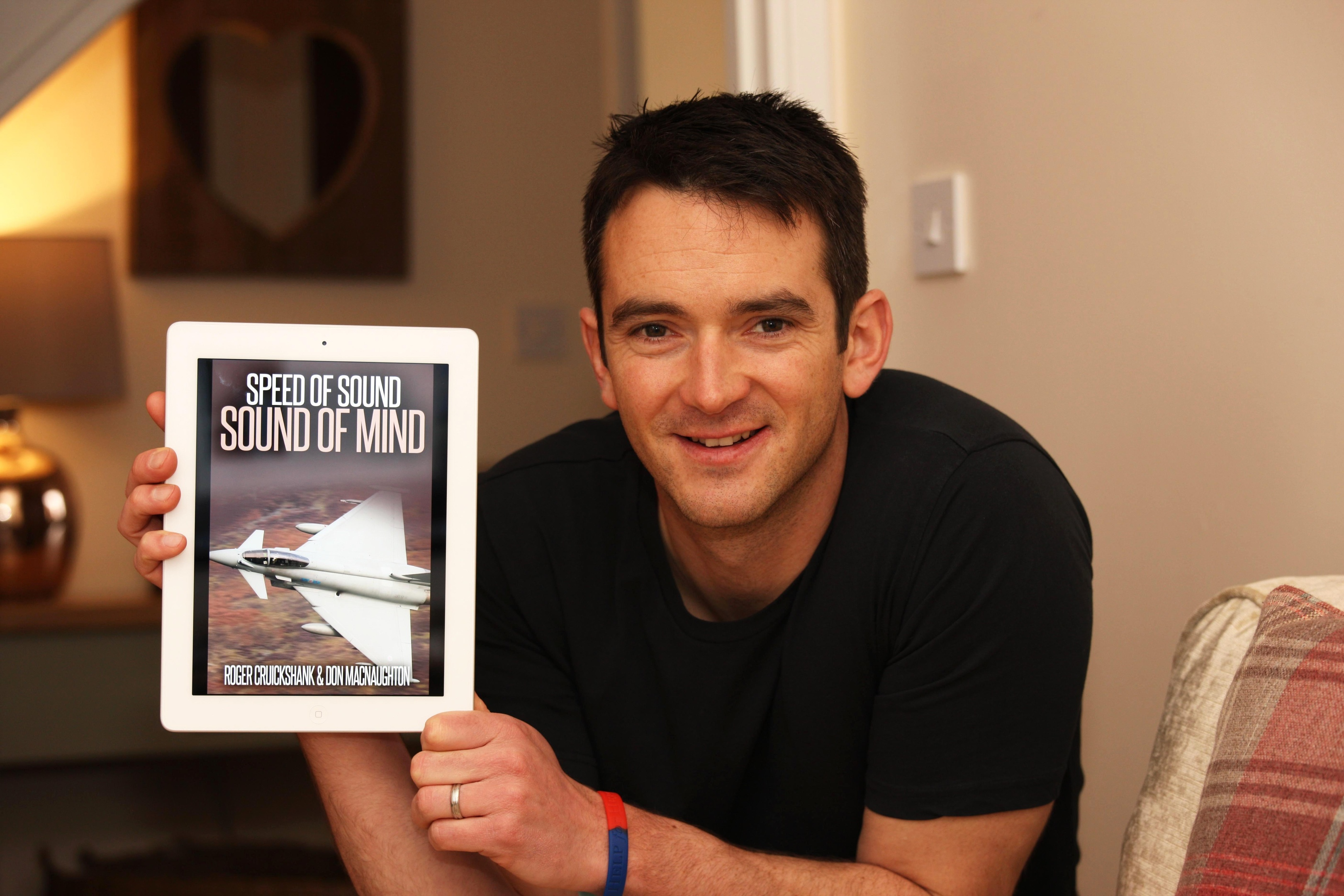 RAF PILOT ROGER CRUICKSHANK WHO IS BRINGING OUT A BOOK TO RAISE MONEY FOR SAMH...PIC PETER JOLLY