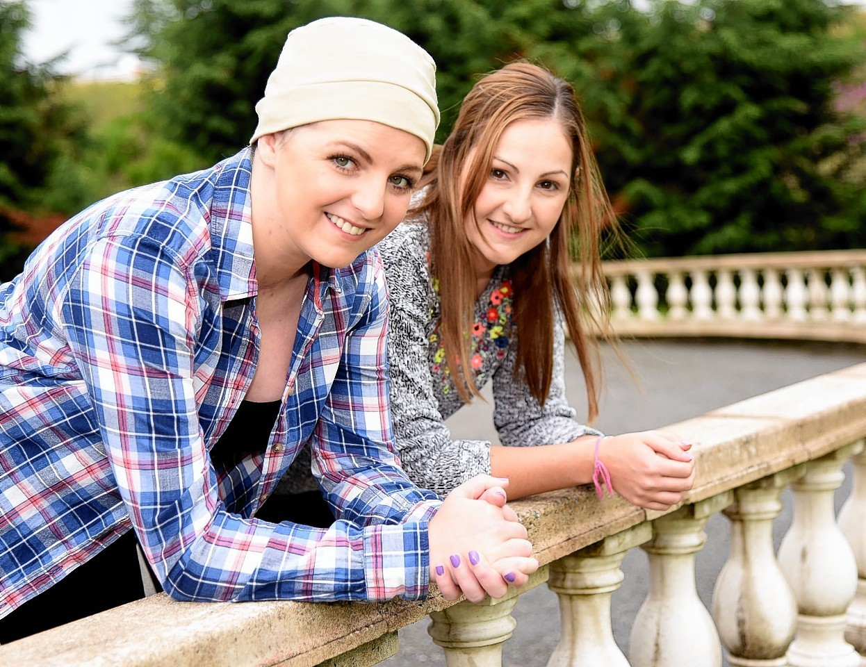 Stephanie Inglis and sister Stacey.