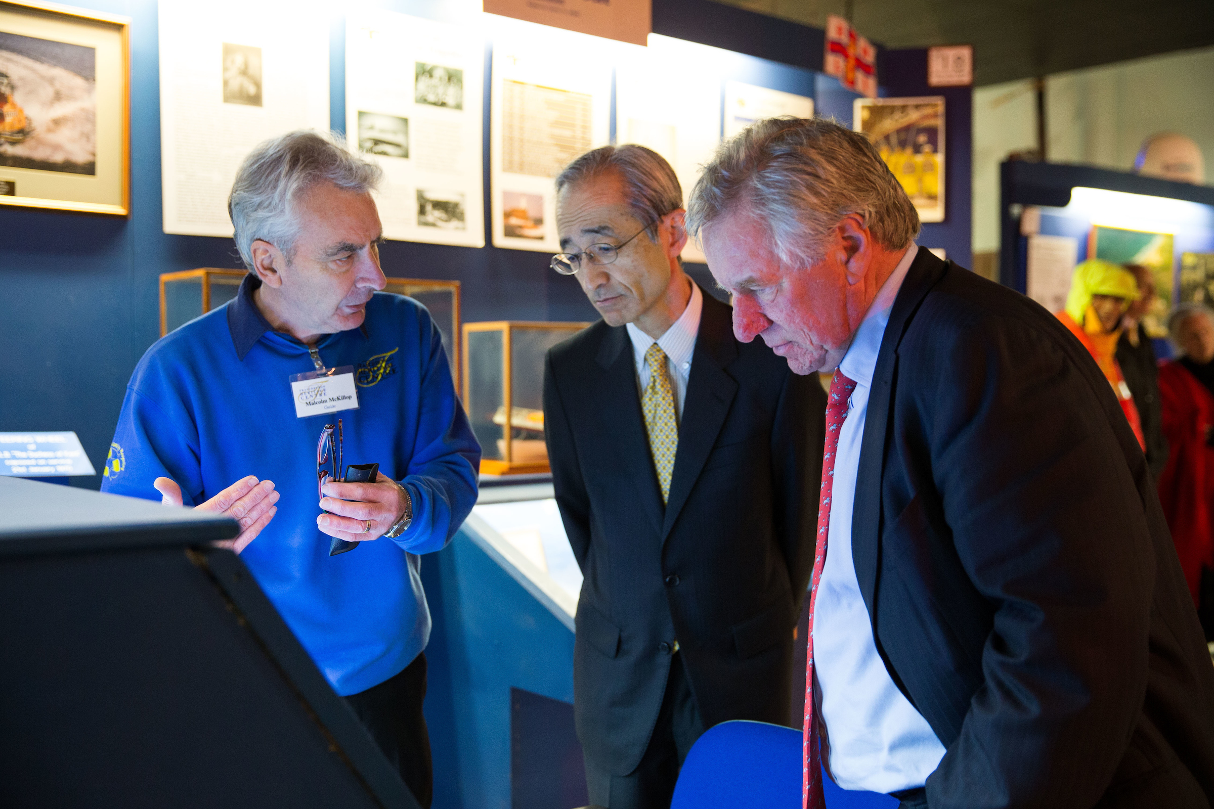 Tuesday 18th October  2016, Aberdeen, Scotland. Malcolm McKillop, author of The Glover trail in North-East Scotland and Nobuyuki Hirano, president of Mitsubishi UFJ Financial Group Inc. and chairman of the Japan Banking Association, Martin Gilbert, Chief Executive of Aberdeen Asset Management PLC  visits the Glover exhibition  at the Fraserburgh Heritage Centre   (Photo: Ross Johnston/Newsline Media)