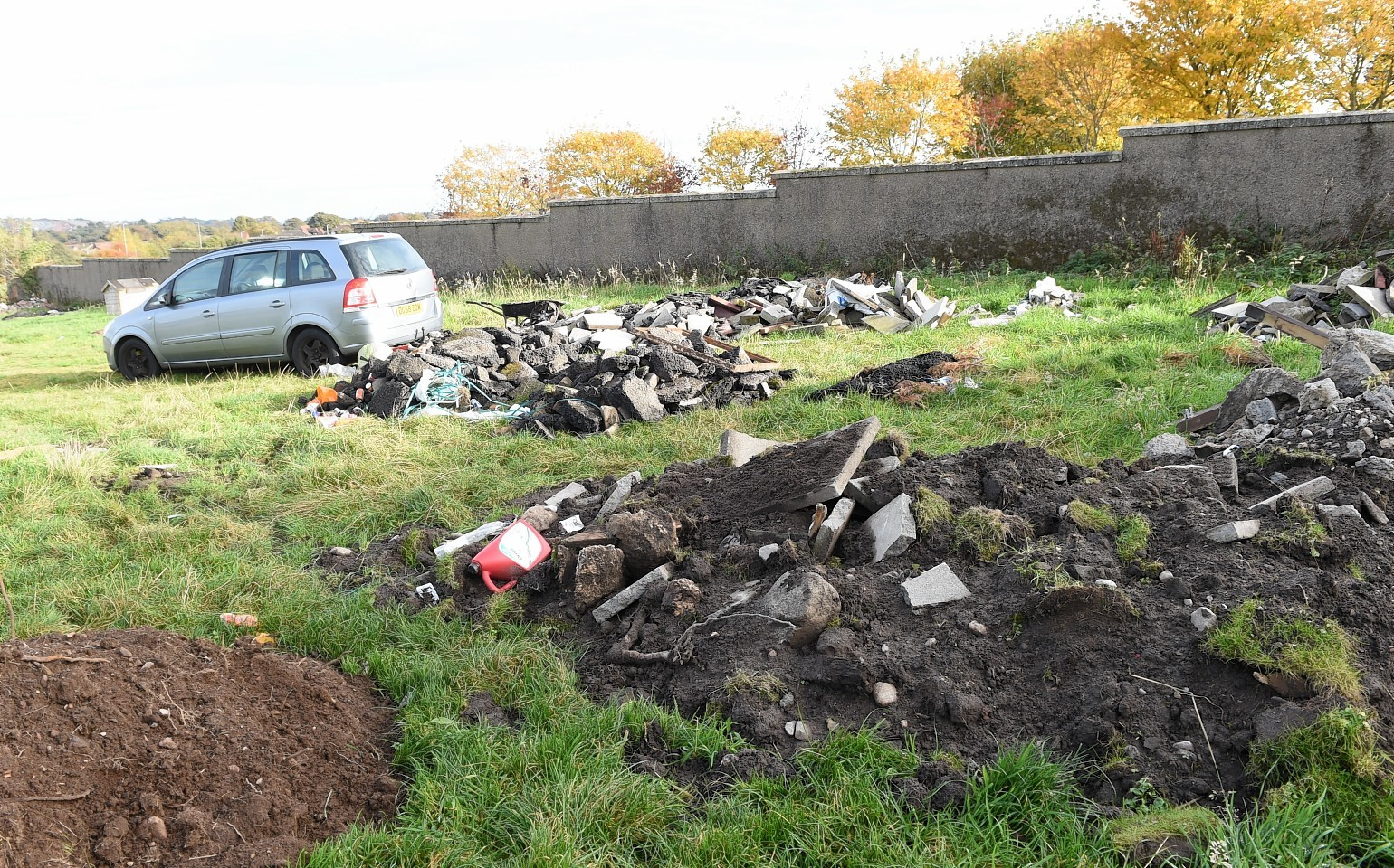 Mess left by travellers at Fetteresso Grave Yard, Stonehaven.