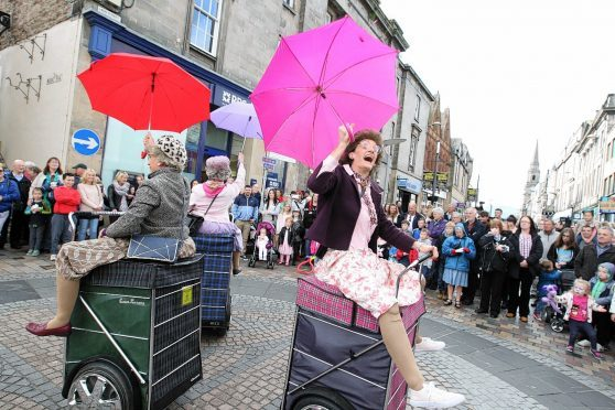 First day of Inverness street festival