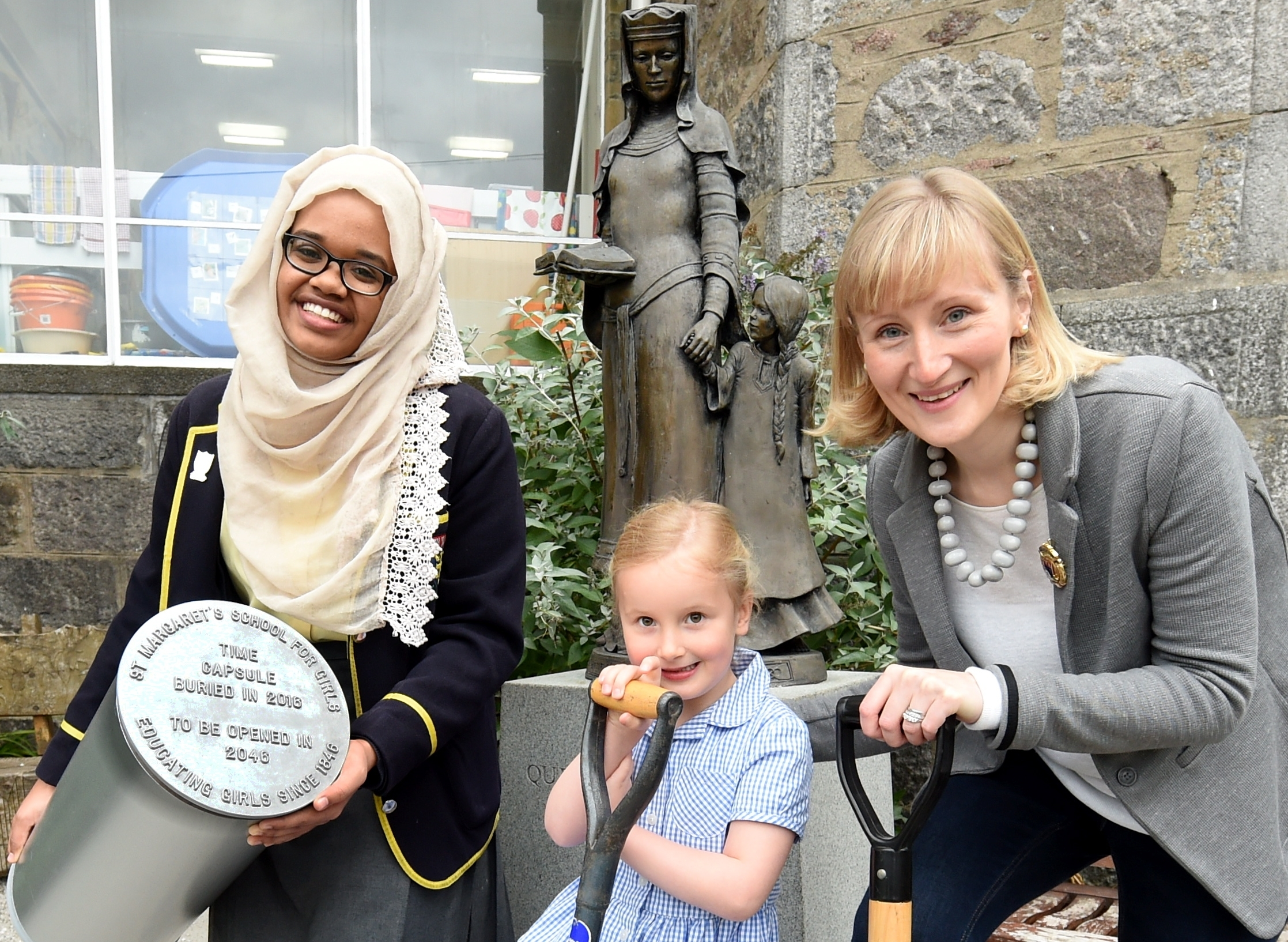 Halima Elyas, head girl, Emily Littlejohn, 1st year pupil and Fiona Littlejohn, former pupil president. Picture by Jim Irvine.