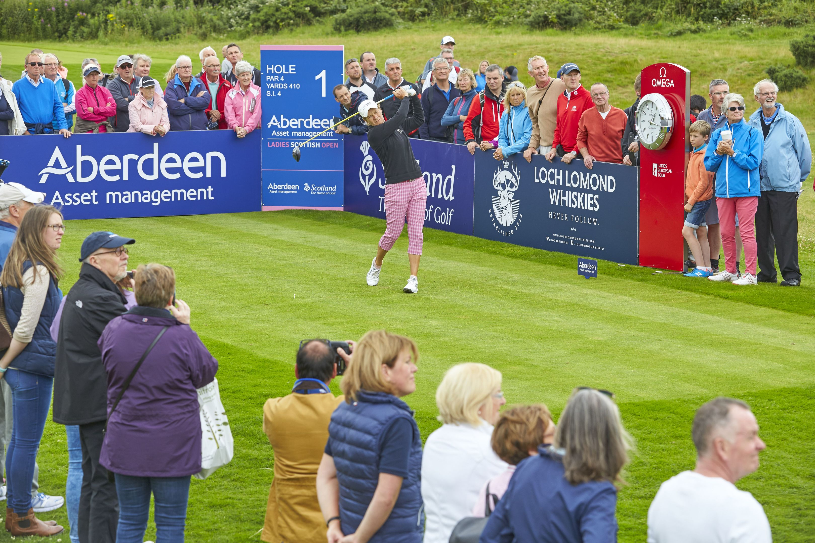 Catriona Matthew teeing off at the 2016 Aberdeen Asset Management Scottish Ladies Open at  Dundonald.
