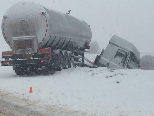 A lorry jack-knifed closed the A9 at Drumochter. Picture by Katie McLeod on Highlands and Islands Weather Facebook page