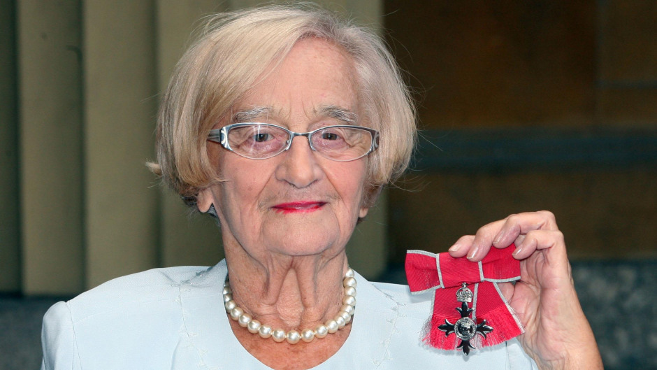 Liz Smith with her MBE for services to drama.
