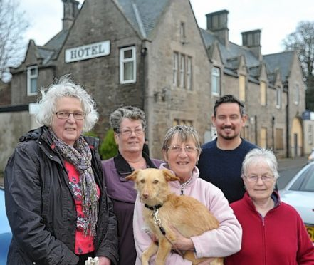 Local residents L-R: Gill Stewart, Moira Windwick, Margaret Coull, and Sandy, and Elizabeth Thom, with local councillor, Sean Morton,