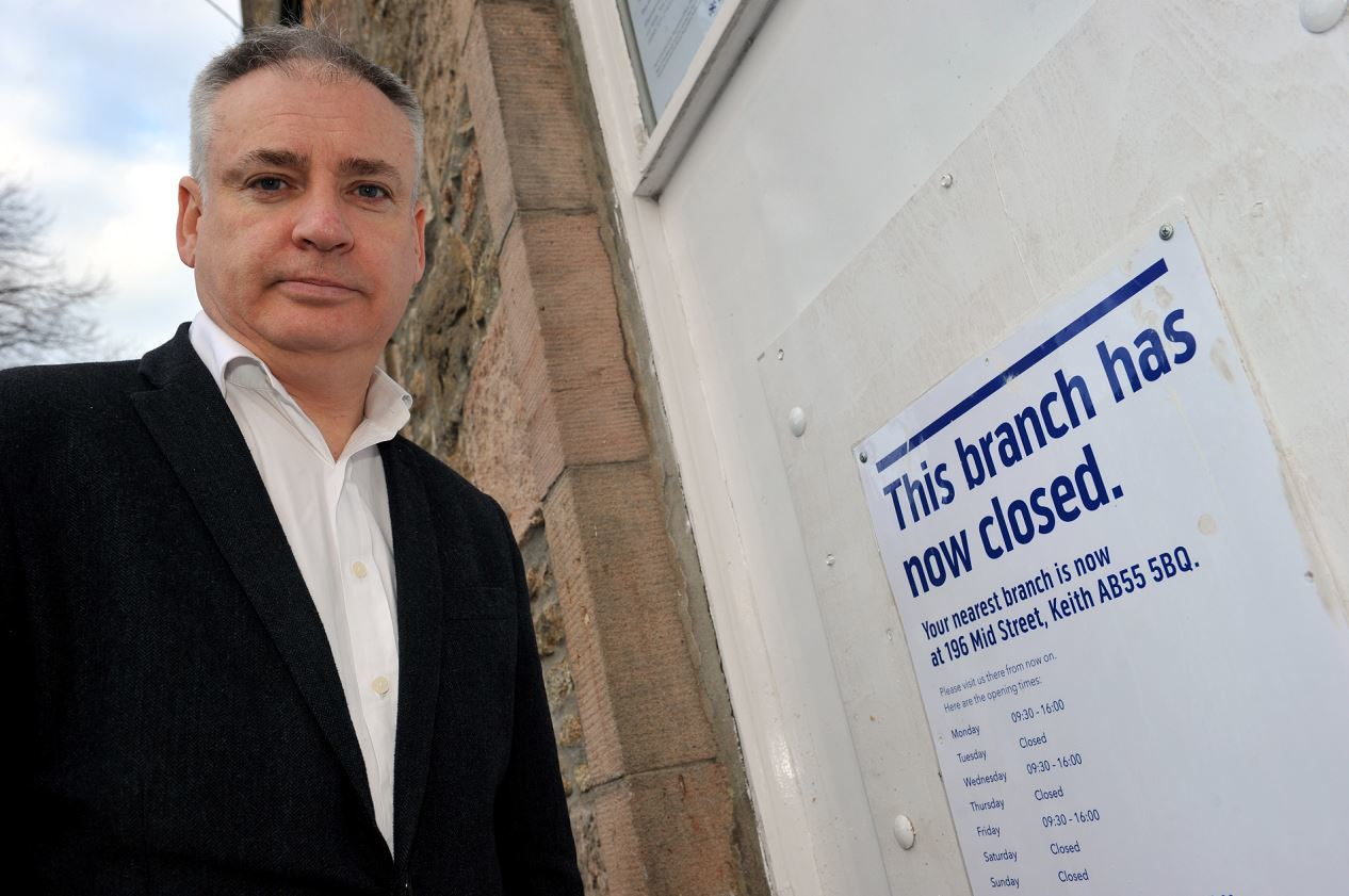 MSP Richard Lochhead beiside the closed branch of the Bank Of Scotland in Aberlour. Picture by Gordon Lennox.