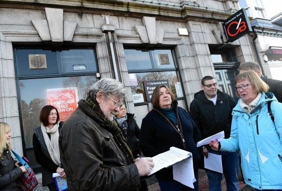 Aberdeenshire residents have kick started a campaign to save their local Clydesdale Bank at Aboyne