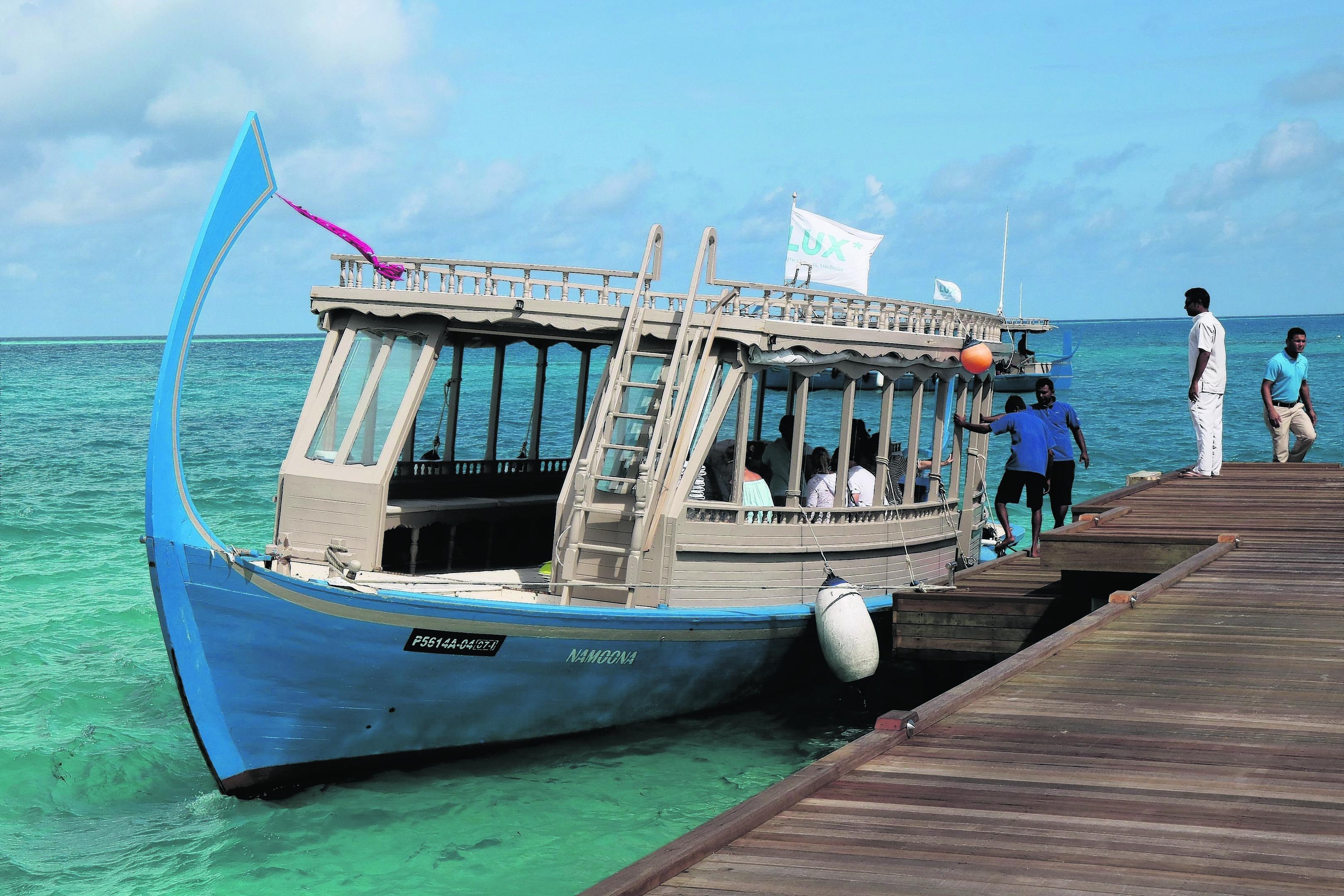 TRAVEL Maldives 092589