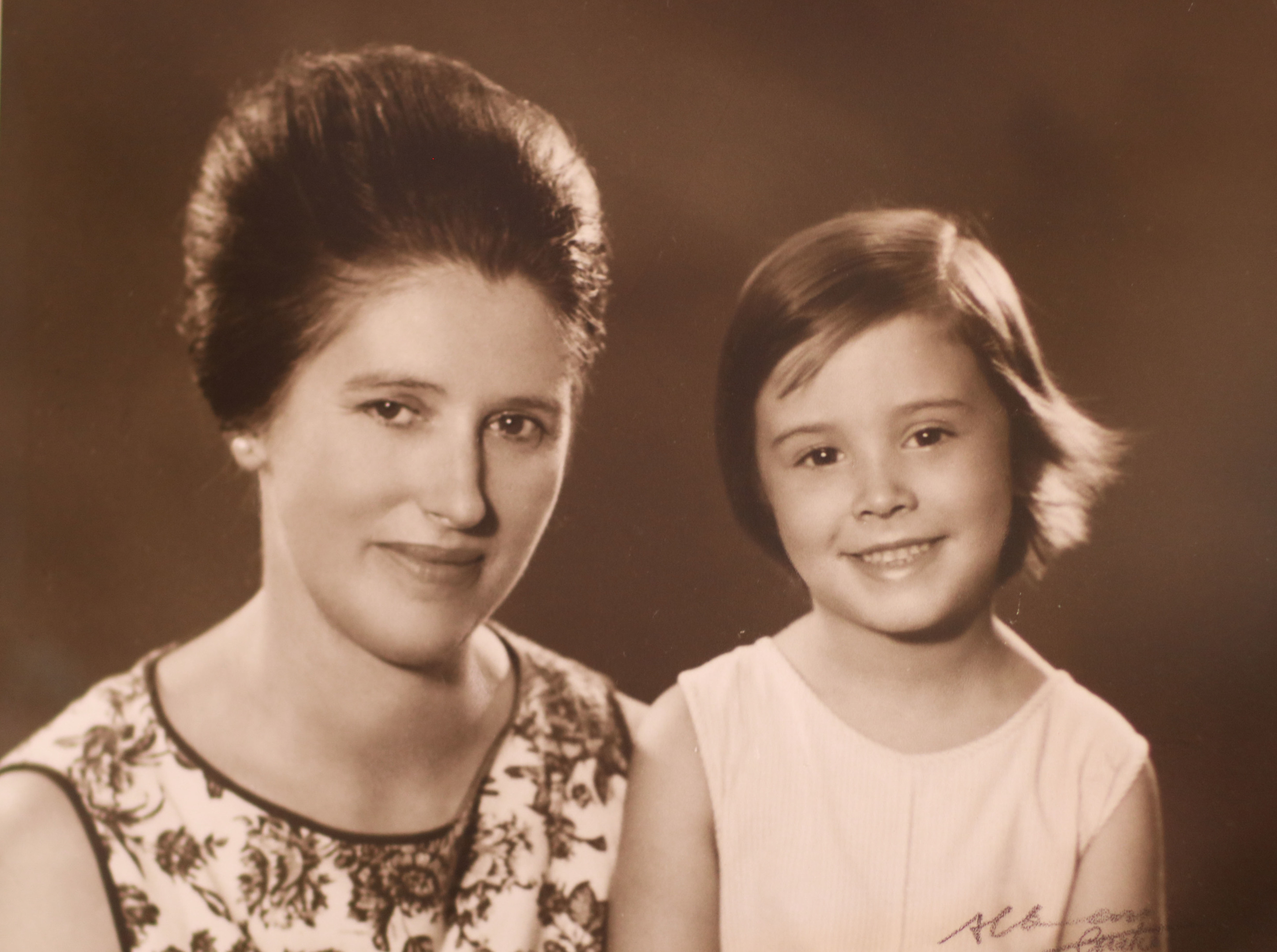Arabella Weir as a young girl with her mum, Alison Walker who died from cancer.