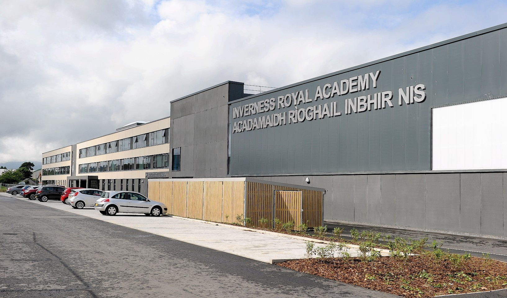 Traffic calming measures are being installed to help pupils walking to Inverness Royal Academy