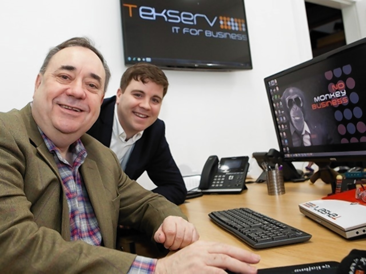 Alex Salmond (left) and Phil Rennie at the opening of the new Tekserv office