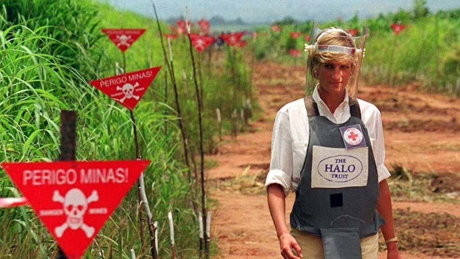 Diana, Princess of Wales, walks through the Angolan minefield.