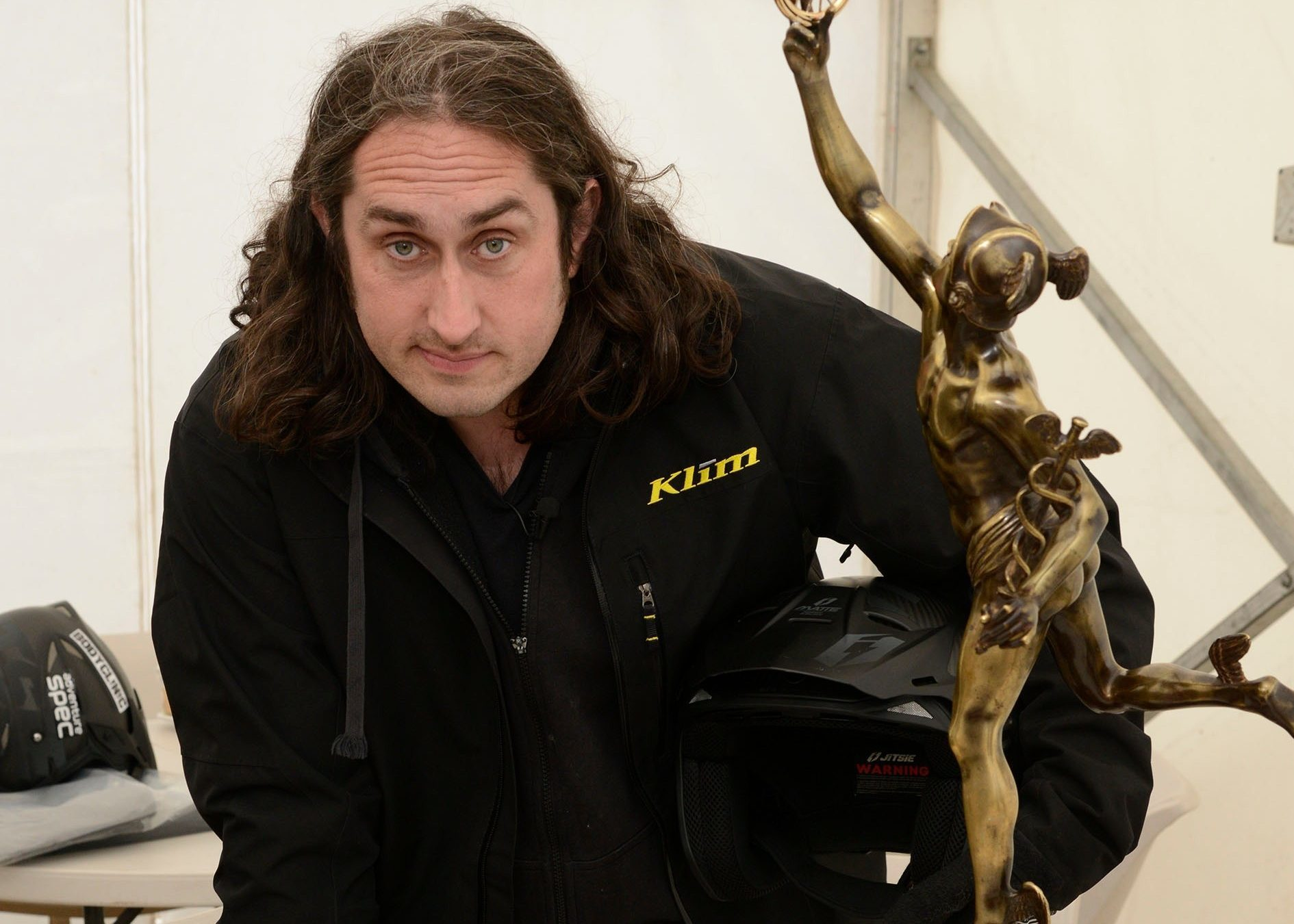 Comedian Ross Noble with the SSDT winners' trophy.