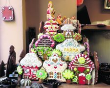 An ornate gingerbread display at Pernickuv Sen, one of six stops on the Eating Prague Food Tour. Copyright Amy Laughinghouse.