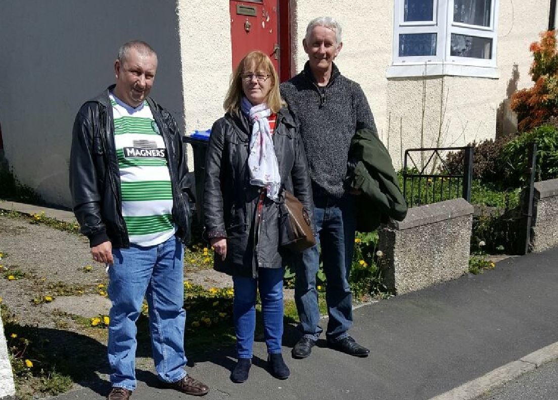 Siblings Tommy Chalmers, Pat McBain and Rob Weston met for the first time earlier this year.