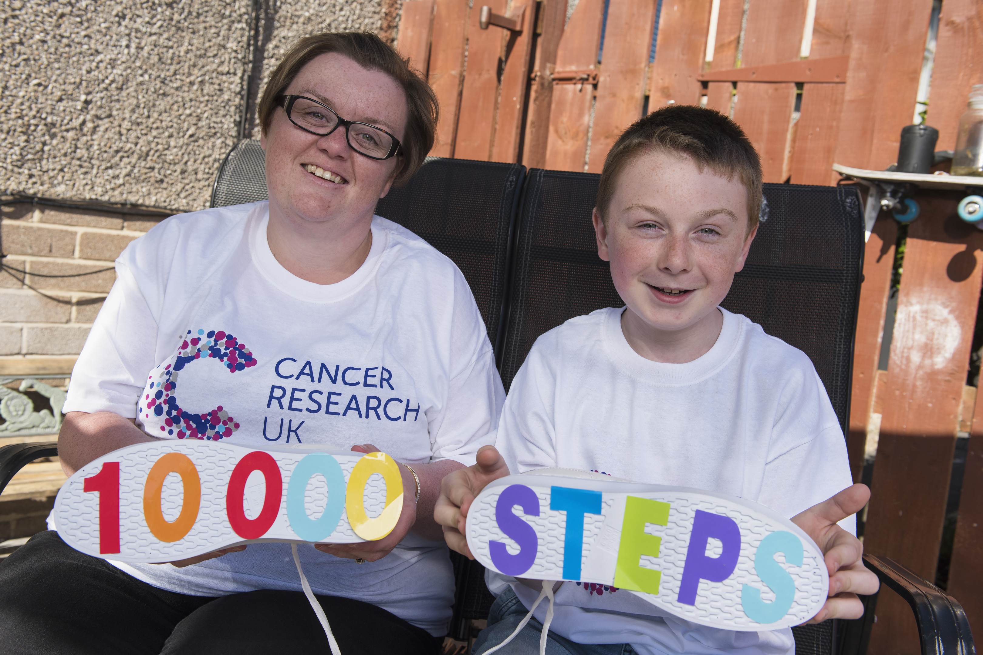 20170505- Walk All Over Cancer  Rachael Murison and son James.   Andy Thompson Photography for Cancer Research UK.
